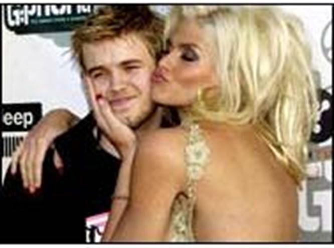 Anna Nicole Smith hafızasını kaybetti